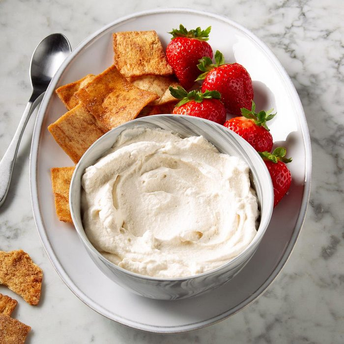 Peanut Butter Whipped Cream Frosting Exps Ft19 246825 F 1113 1 7