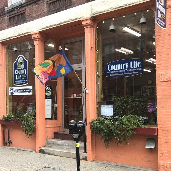 New Hampshire: Country Life Restaurant, Keene