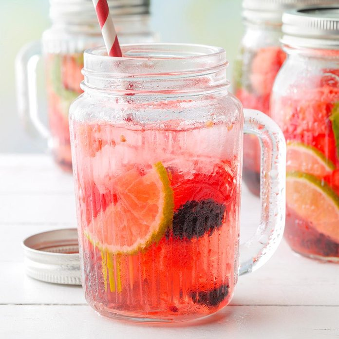 Watermelon And Blackberry Sangria Exps Tohjj20 161232 B02 06 3b 3