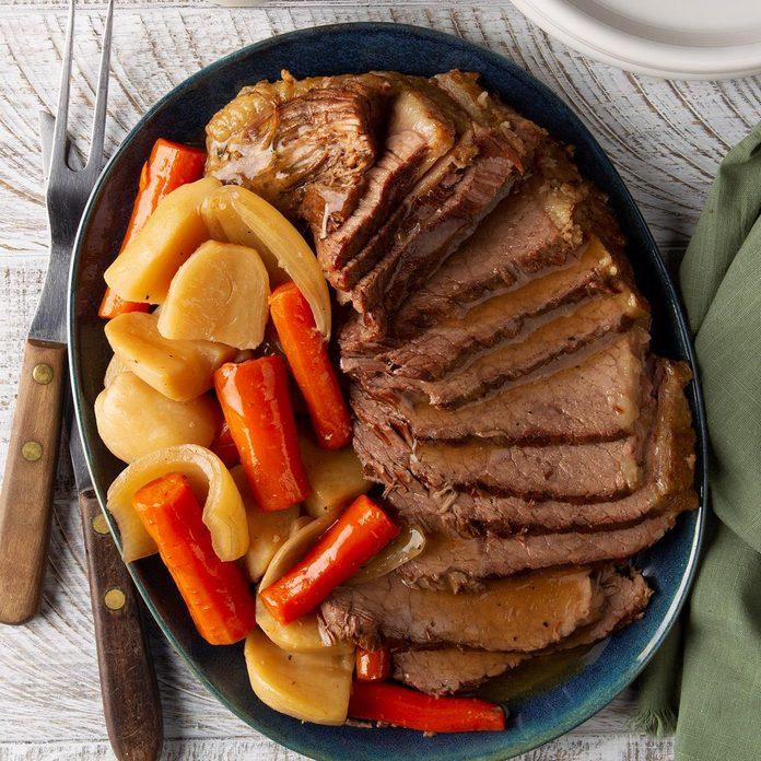 Easy Slow Cooker Pot Roast Exps Ft20 250448 F 0313 1 1