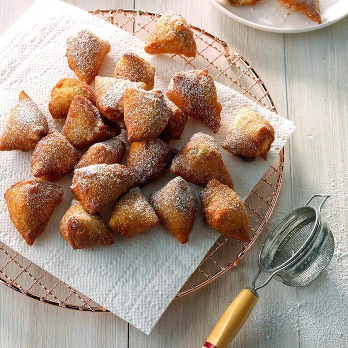 Mini Nutella Doughnuts Exps Sddj17 81155 B08 09 5b Basedon 1