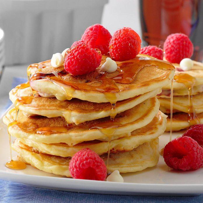 Raspberry White Chocolate Pancakes Exps Tohca20 202734 B01 14 1b 1