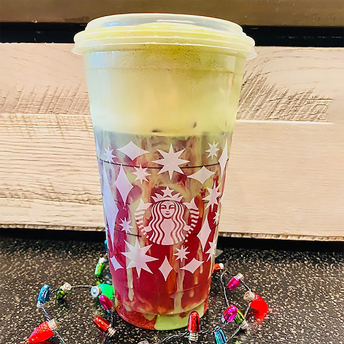 OMBRE CHRISTMAS DRINK FROM STARBUCKS
