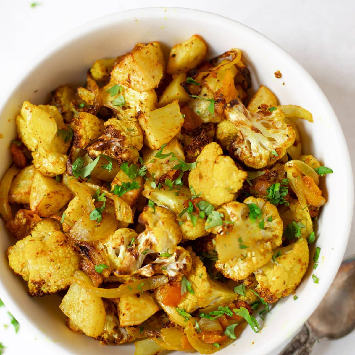 Roasted Air Fryer Aloo Gobi Piping Pot Curry