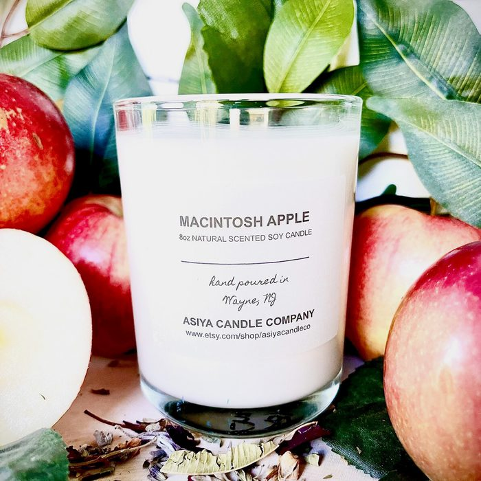 Macintosh Apple- 8oz Hand Poured Natural Scented Soy Candle